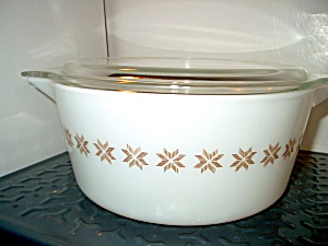 Pyrex Town And Country Casserole 1 Quart With Lid