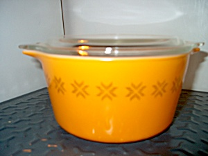 Vintage Pyrex Town And Country Casserole 1 Qt. Orange