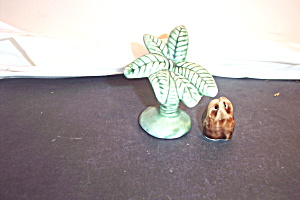 Vintage Coconut Tree And Coconut Salt & Pepper Shakers