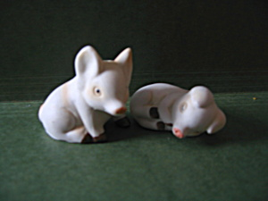 Vintage Fairway Pig Salt & Pepper Shaker Set