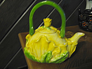 Vintage Teapot Yellow Flower