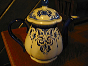 Dark Blue/white Slim Teapot