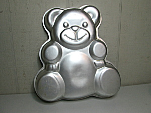 Wilton Huggable Teddy Bear Cake Pan