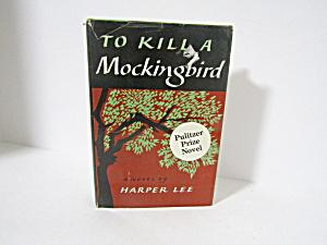 Vintage Book To Kill A Mockingbird (Image1)