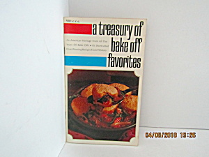 Vintage Pillsbury Treasury Of Bake Off Favorites