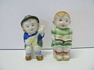 Vintage Musical Couple Salt & Pepper Shaker Set
