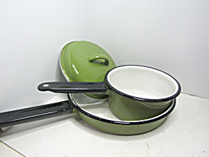 Vintage Enamelware Avocado Green/white Pan Set
