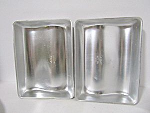 Wilton Vintage Two Pan Book Cake Pan Set