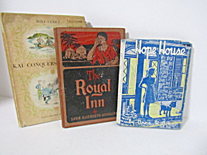 Books Hope House The Royal Inn & Kai Conquers Brixholm