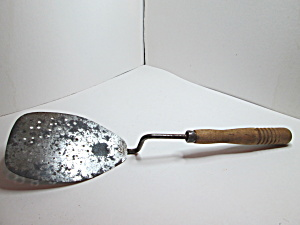 Vintage Rustic Raised Handle Hole Design Spatula