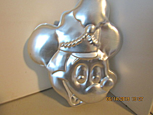 Wilton Disney Mickey Mouse Band Leader Cake Pan