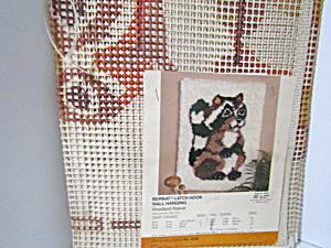 Bernat Woodland Rascal Tabrette Latch Hook Canvas (Image1)