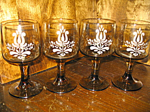 Pfaltzgraff Amber Brown Village Stem Wine Glasses
