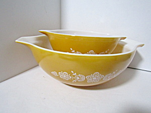 Vintage Pyrex Butterfly Gold Cinderella Bowls