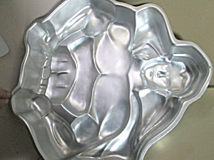 Wilton Vintage Batman Or Superman Cake Pan