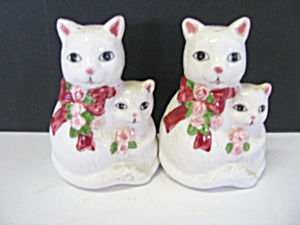 Vintage Cat & Kitten Salt & Pepper Shaker Set