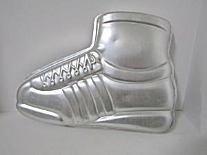 Wilton Sports Superstar Shoe Cake Pan