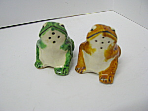 Vintage Frog Salt & Pepper Shaker Set
