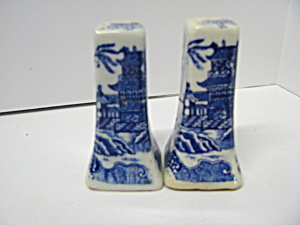 Vintage Blue Willow Salt & Pepper Shaker Set