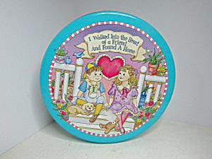 Vintage Friendship Chocolate Covered Pretzels Tin (Image1)