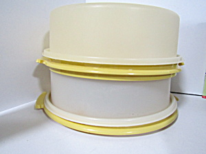 Vintage Tupperware Gold Small Cupcake/pie Stacker