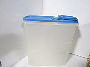 Vintage Tupperware Store-n-pour Blue Lid Cereal Keeper
