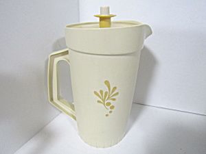 Vintage Tupperware Almond Harvest Gold 2 Qt Pitcher