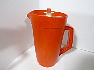 Tupperware Vintage Harvest Orange 2 Quart Pitcher
