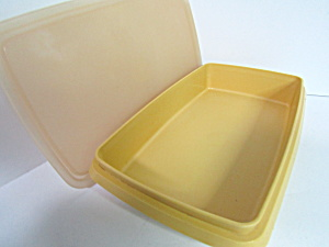 Vintage Tupperware Harves Gold Lunch Meat/Cheese Keeper (Image1)