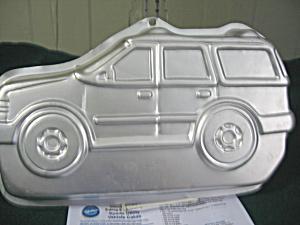 Wilton Sports Utility Vehicle Cake Pan (Image1)