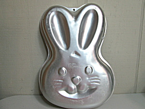 Wilton Vintage Step By Step Bunny Cake Pan Ll