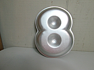 Wilton Vintage Mini Number Eight Cake Pan