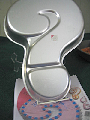 Wilton Vintage Question Mark Cake Pan
