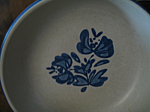 Pfaltzgraff Yorktowne Round Serving/vegetable Bowl