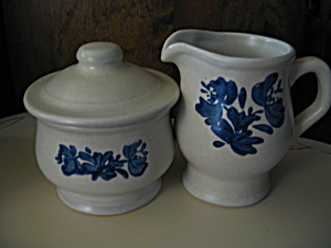 Pfaltzgraff Yorktowne Sugar And Creamer Set