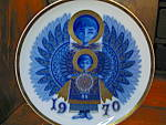 Click here to enlarge image and see more about item cp5l: Santa Clara 1970 Blue Christmas Plate