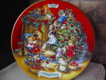 Click here to enlarge image and see more about item xacp3j: Avon 1992 Christmas Plate Sharing Christmas  w/ Friends