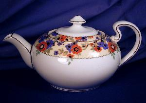 Aynsley Floral Band Teapot (Image1)