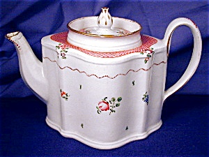 New Hall Commode shaped Teapot (Image1)