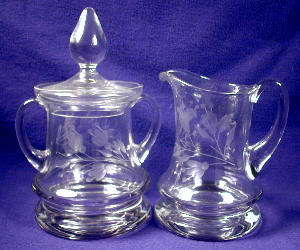 Etched glass large creamer & covered sugar (Image1)