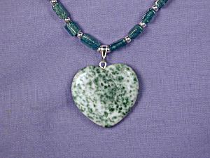 Green Adventurine w/Tree Agate Heart Pendant (Image1)
