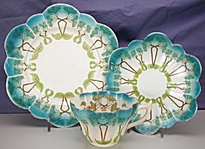 Wileman Snowdrop Art Nouveau Petunia trio (Image1)