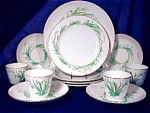 Click here to enlarge image and see more about item ENG041: Copeland Green Grass Lunch Set