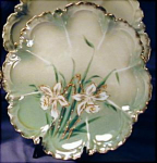 Click here to enlarge image and see more about item RSP007: RS Prussia Narcissus cake plate 4
