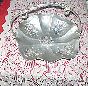 Antique 1950s Carved Aluminum Fruit Bowl (Image1)