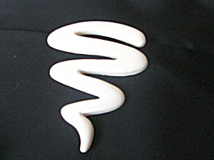 Glamour Pin 1950s Mod Idea Sign White Plastic  (Image1)