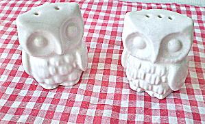 Salt and Pepper Set  Vintage Porcelain OWL  (Image1)