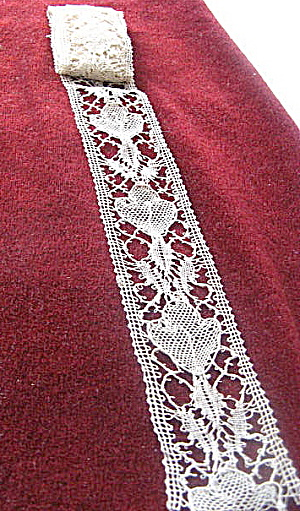 Lace Border Vintage 1915 -30 Handmade Flower/leaf Ecru