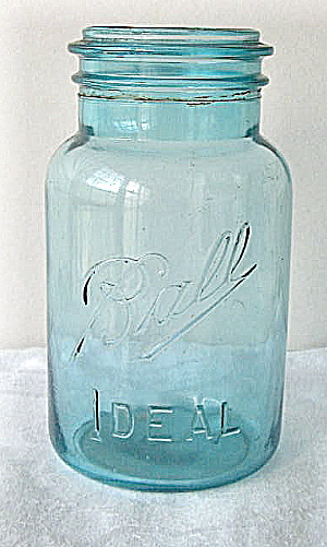 Vintage 1930s 40s Ball Ideal Fruit Jar (Image1)