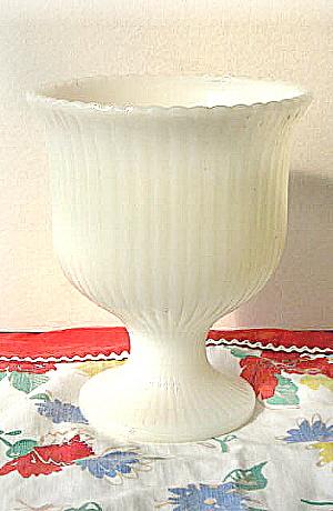E.O. Brody Vase Ribbed White Pedestal Planter (Image1)